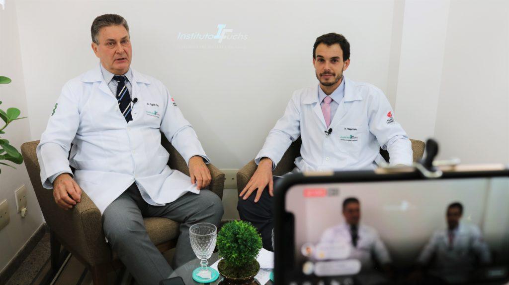 Pacientes tiram dúvidas com ortopedistas em transmissão online