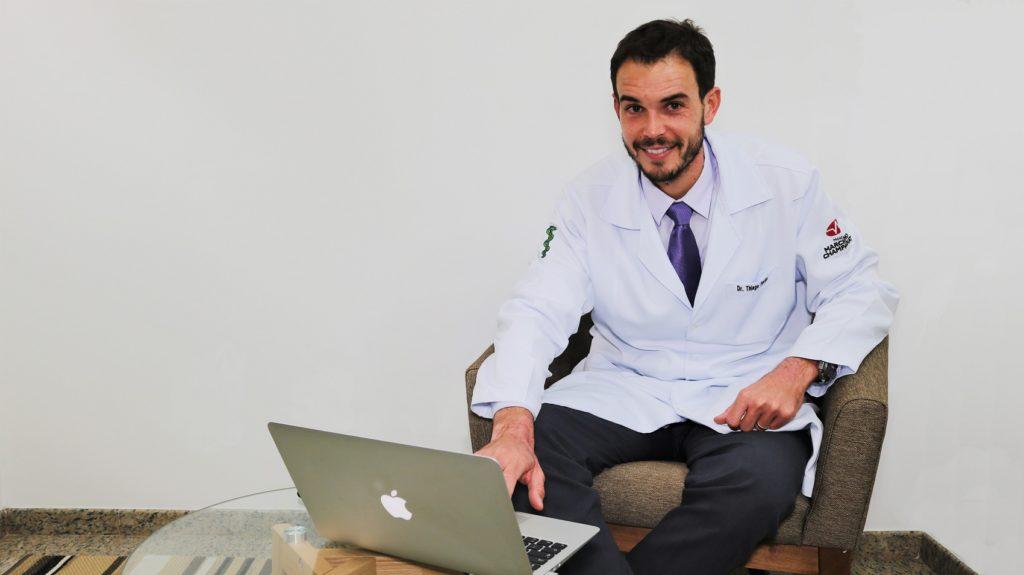 """""""Tenho impacto bilateral. Se eu não fizer cirurgia terei artrose?"""" Thiago Fuchs responde!"""
