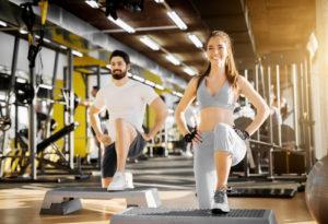 Ortopedistas alertam sobre lesões no joelho causadas por amplitude exagerada na musculação