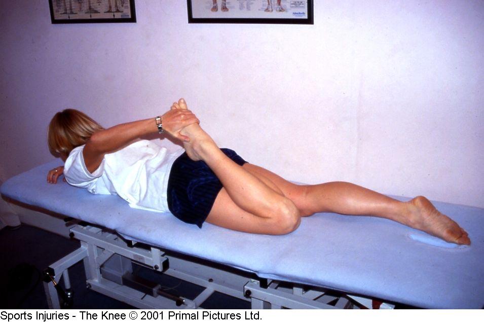 Fig. 10. Alongamento quadríceps em posição prona